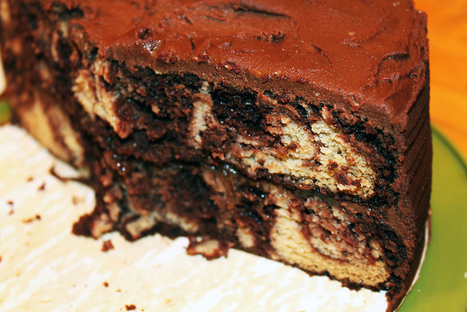 Marble Layer Cake with Chocolate Fudge Frosting and Strawberry Jam (grain-free, gluten-free,dairy-free) - Affairs of Living - gluten-free, allergy-friendly, and whole foods recipes, resources, and... | lovemefood | Scoop.it