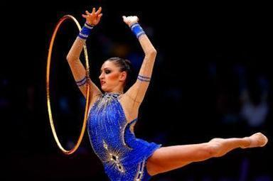 Evgeniya Kanaeva gana oro en gimnasia rítmica