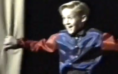 Young Ryan Gosling Could Destroy Internet With '90s Dance Moves [VIDEO] | The DATZ Blast | Scoop.it