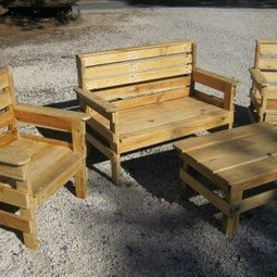 Complete garden set made out of repurposed pallets | 1001 Pallets | pallet furniture | Scoop.it