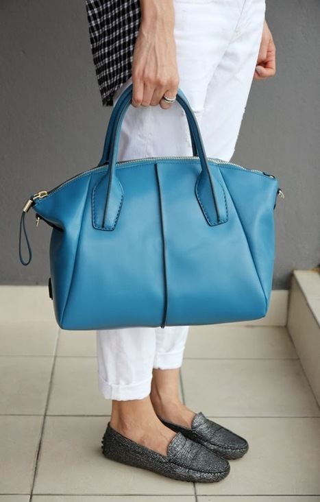 Tod's And A Casual Friday | Gommino Driving Shoes & DD Bag | CHICS & FASHION | Scoop.it