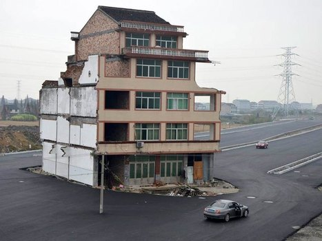 China Builds Highway Around House That Refuses to Move | Urban Culture is my Playground | Scoop.it