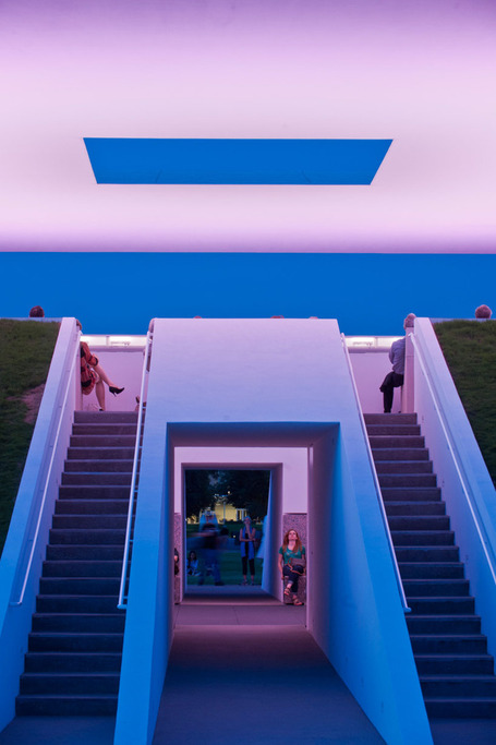 """Twilight Epiphany"" Skyspace Light Art Installation / James Turrell 