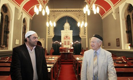 Bradford synagogue saved by city's Muslims | Conflict Mediation | Scoop.it