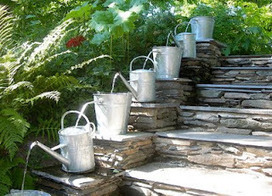 French watering cans create a beautiful water feature | Gardening Life | Scoop.it
