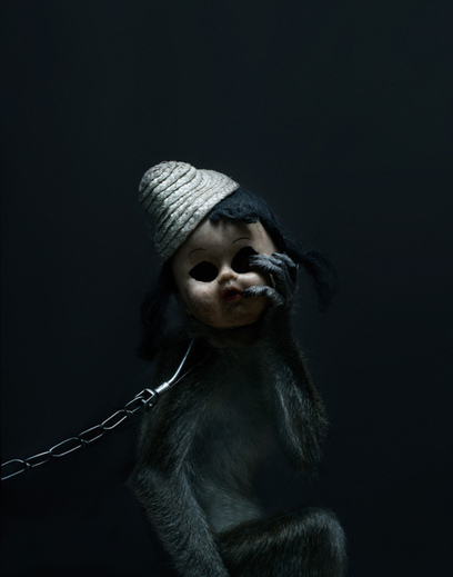 Haunting Portraits of Street Performing Monkeys | Photography | Scoop.it