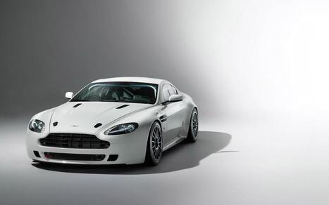 Car 2014 Aston Martin Vantage GT4 | Car Images | News | Scoop.it