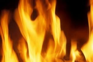 Elle provoque l'incendie de sept voitures en enlevant son vernis à ongles | Les Informations sur la voie de notre monde. | Scoop.it
