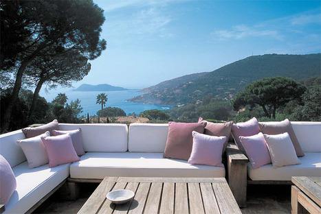Miraval Rose and Cos d'Estournel at La Réserve Ramatuelle overlooking the azure blue of St Tropez Bay | Vitabella Wine Daily Gossip | Scoop.it