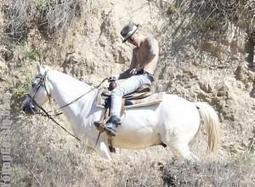 [Photos] Justin Bieber Horseback Riding Sans Shirtless | Young Gossip | Scoop.it