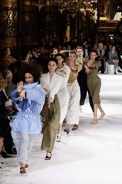 La mode entre dans ladanse – AGENCE SOUS-TITRE | De Mode en Art | Scoop.it