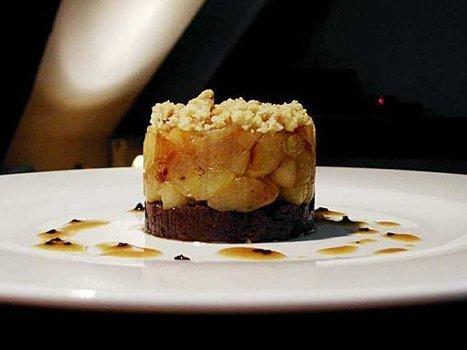 Parmentier de boudin noir et pommes en crumble aux noix, jus truffé... | A table ! | Scoop.it