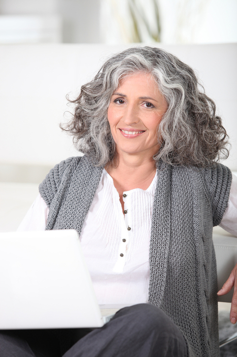 How to Grow Out Grey Hair Gracefully | Letting Grey Hair Grow Out | Fashion Tips for Women | Scoop.it