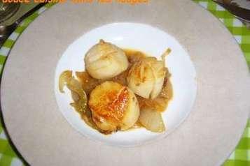Noix de saint-jacques sur fondue d'oignon de roscoff, Recette par Sigrid5 - Ptitchef | AOP | Scoop.it