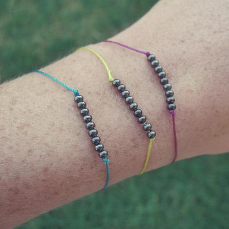 Gleeful Things » DIY: Dainty Metal Beaded Bracelets Tutorial | DIY - jewellery  =  HTM - bijou | Scoop.it