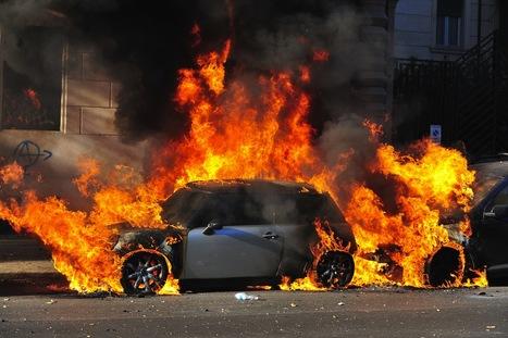 Roma brucia, i black bloc rubano la piazza agli indignados | 15 ottobre 2011 | Scoop.it