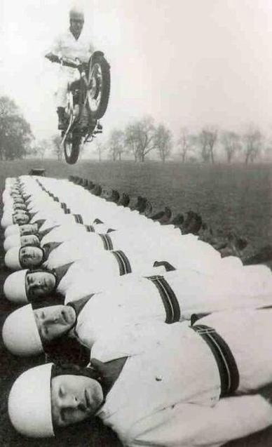 Twitter / History_Pics: Dangerous motorcycle stunt. ... | History | Scoop.it