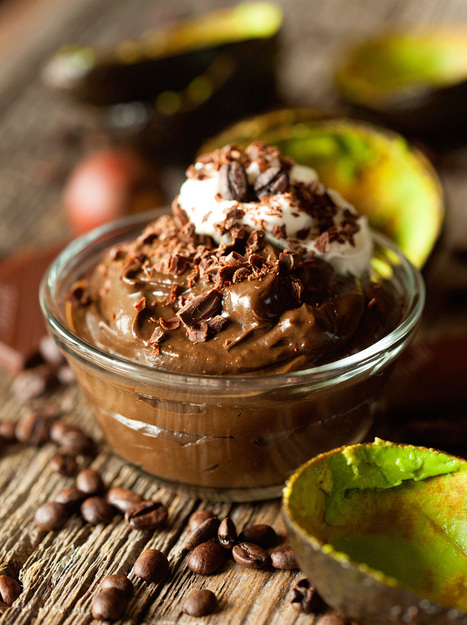 Dark Chocolate Mocha Avocado Mousse | The Man With The Golden Tongs Hands Are In The Oven | Scoop.it