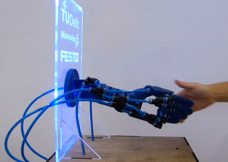 Rob Scharff's Soft Robotics hand responds to a human grip | DigitAG& journal | Scoop.it