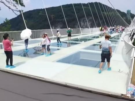 En Chine, le pont en verre enfin ouvert au public | Dans l'actu | Doc' ESTP | Scoop.it