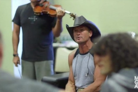 Tim McGraw Covers '(I Never Promised You a) Rose Garden' in Tribute to Lynn Anderson [WATCH] | Country Music Today | Scoop.it