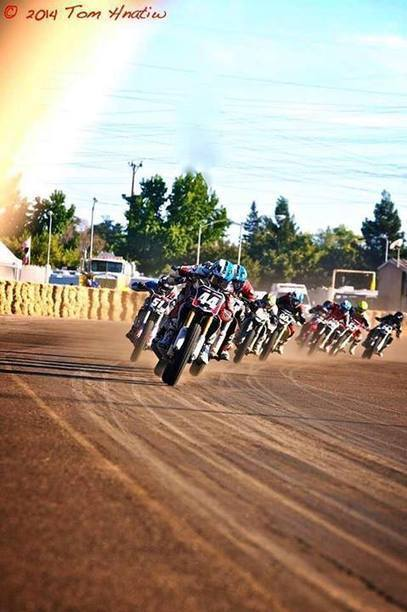 Awesome pic of Nick Armstrong Racing leading the pack at Sacramento Mile! | California Flat Track Association (CFTA) | Scoop.it