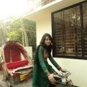 A funny girl driving her rickshaw | 2 dogs are very happy | Scoop.it