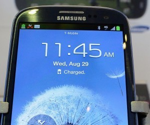 Samsung's Galaxy S III overtakes the iPhone 4S as the world's best-selling smartphone in Q3 2012 | Custom Mobile Apps | Scoop.it