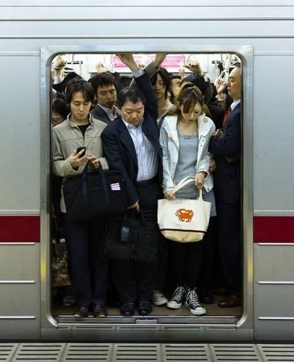 Hierzijnwij.nu » De metro in Tokyo: druk, drukker, drukst | Katern Japan | Scoop.it