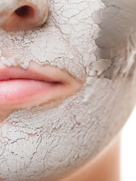11 Reasons You Should Put Bentonite Clay On Your Face | Raw Edible Organic Skin Care | Scoop.it