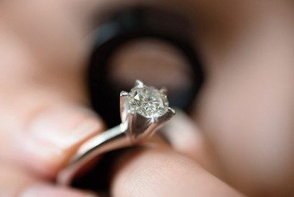 De Beers Said to Cut Diamond Prices as Much as 9% - Bloomberg Business | Insights into Markets | Scoop.it