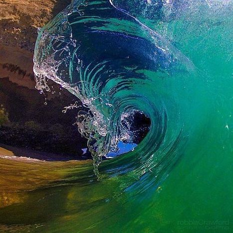 """Get Inspired: 20 Breathtaking """"Inside the Wave"""" Photographs ... 