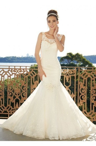 Sheath Lace Bateau Neck Bedings And Appliqued Backless With Zipper Wedding Dresses at 199dresses | wedding dresses collection | Scoop.it