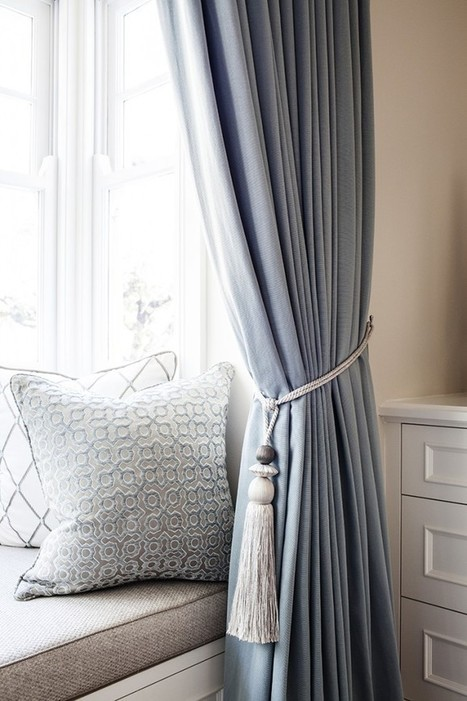 A classic American bedroom in the perfect pale blue palette by Highgate House | Chambres et salles de bains | Scoop.it
