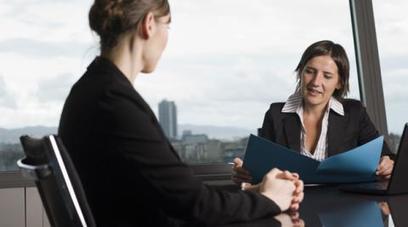 Entretien d'embauche : 90 % des DRH sont sensibles à la gestuelle du candidat | COURRIER CADRES.COM | CV-Entretiens | Scoop.it