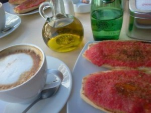 A Typical Spanish Breakfast: Pan con tomate y aceite | Legal, General, Relocation, Information and Family Advice Spain | Family Life In Spain | Scoop.it