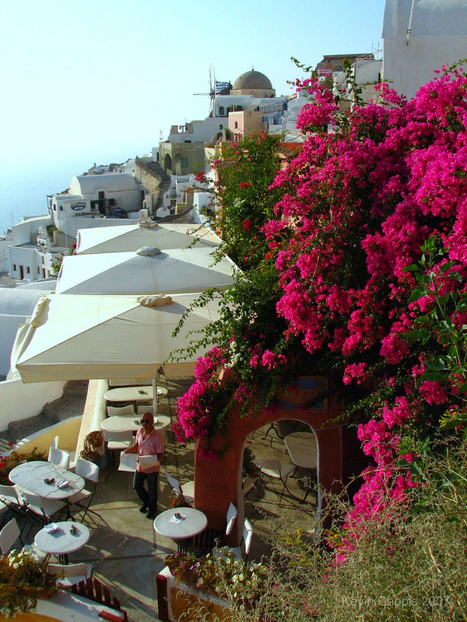Village of Oia on the Greek island of Santorini | Mis imágenes | Scoop.it