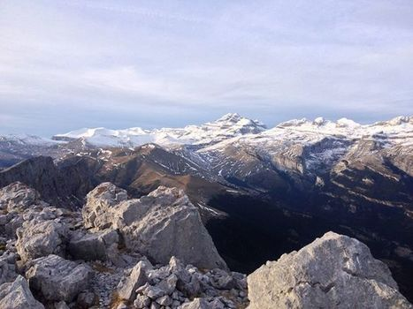Face sud du Perdido vue depuis le Castillo Mayor - Maxime Teixeira | Facebook | Vallée d'Aure - Pyrénées | Scoop.it
