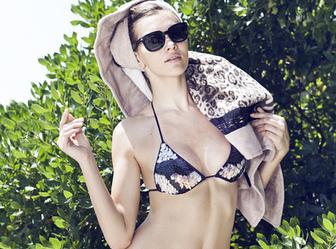 Morpho maillot de bain : qui peut porter la tendance bikini triangle ? - Closer | Mode et tendance | Scoop.it