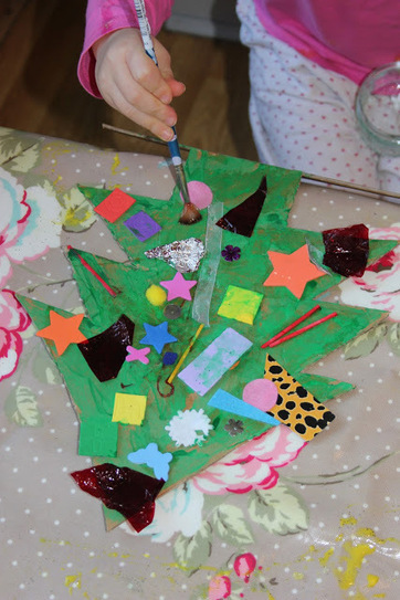 The Imagination Tree: Recycled Materials Christmas Tree | Celebrate the Arts with Kids | Scoop.it