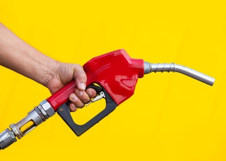 Gas is cheap, and Americans are buying less efficient cars. Horrible idea. | Sustain Our Earth | Scoop.it