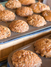 Recipe: Low-fat, Low-sugar Apple-oatmeal Muffins - Hobby Farms | Annie Haven | Haven Brand | Scoop.it