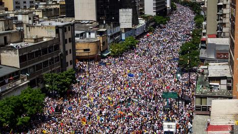 En fotos: así fue la multitudinaria protesta en Venezuela | Saberes en Política | Scoop.it