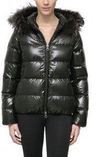 Women's Duvetica Adhara Short Shiny Down Coat Black | winter wear | Scoop.it