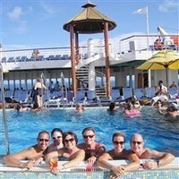 Cruise lines catering to younger crowds   CruiseBubble   Scoop.it