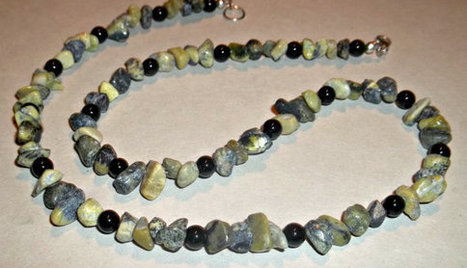 Yellow Turquoise and Obsidian Necklace | Marketing ideas and color use | Scoop.it