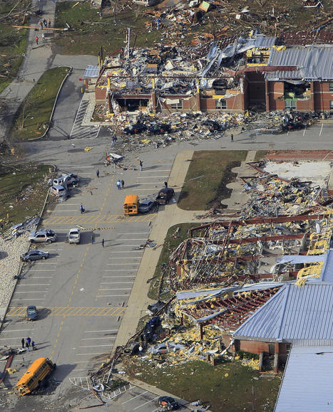 Photos: Tornadoes Rip Through the Midwest | Plog — World, National Photos, Photography and Reportage — The Denver Post | Everything from Social Media to F1 to Photography to Anything Interesting | Scoop.it