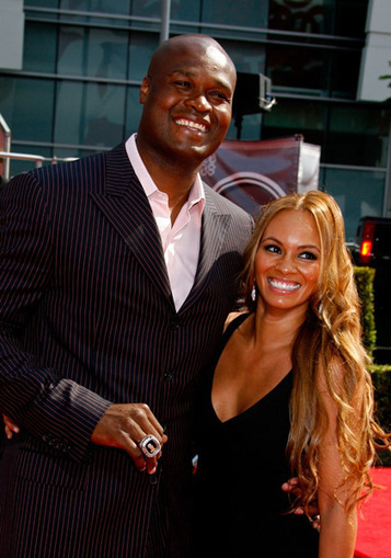 DAMN: Former NBA Baller Antoine Walker Reveals How He LOST His $110 Million FORTUNE!   The Young, Black, and Fabulous   GetAtMe   Scoop.it