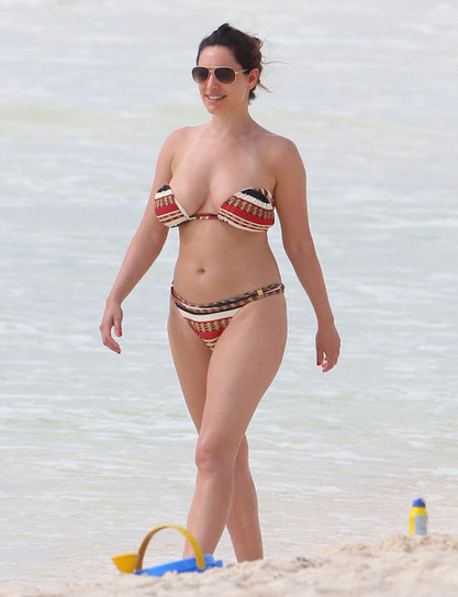 Kelly Brook Fully Topless Boobs Show At Beach Candids ~ Leaked Topless Photos | Watch HD Full Movies Online | Scoop.it