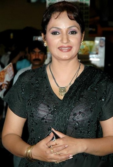 Upasana Singh Height, Weight, Bra, Figure Size | HeightBra.Com | BollyWood Gossips | Scoop.it